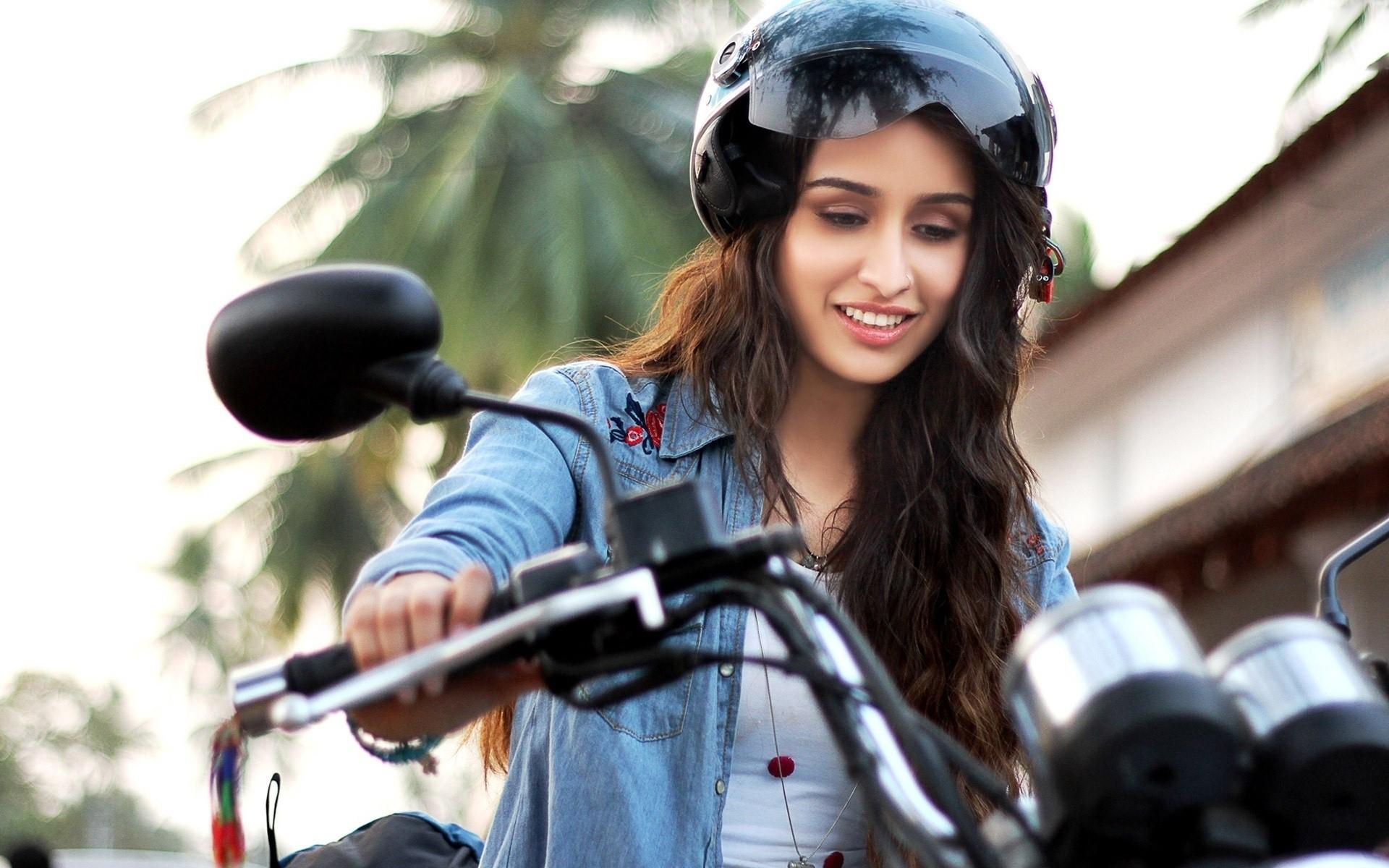 Shraddha Kapoor wallpapers for mobile 4