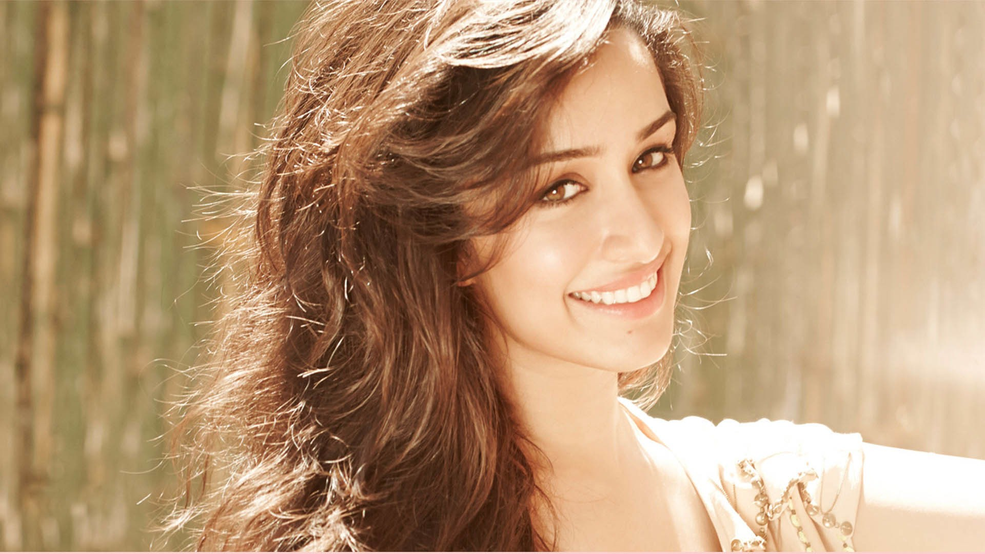 Beautiful Shraddha Kapoor HD Photos For Mobile