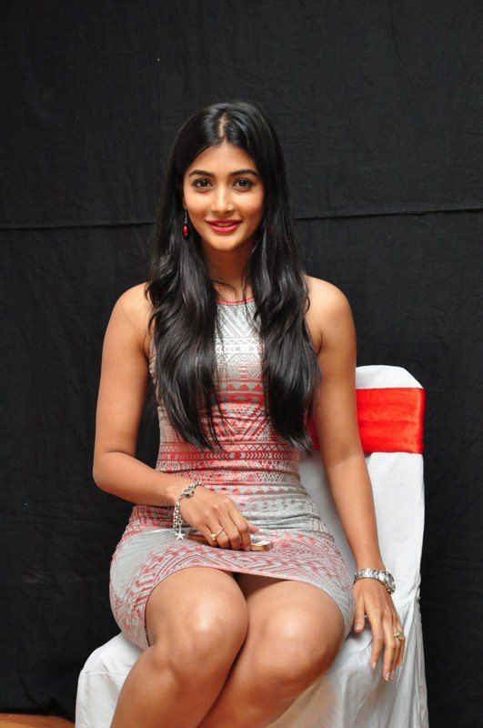 pooja hegde hd pictures hot 2